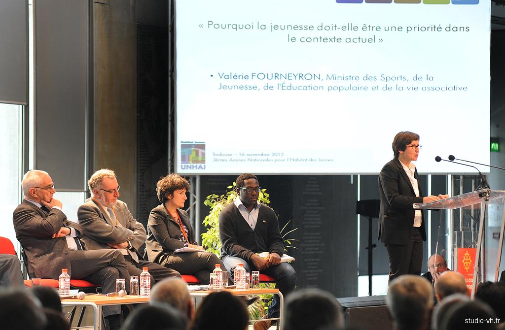 Valérie Fourneyron aux 3èmes assises nationales pour l'habitat des jeunes UNHAJ