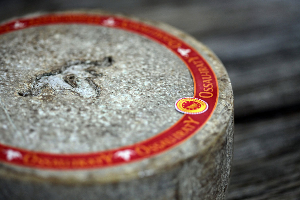 Un fromage AOP Ossau-Iraty fermier