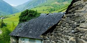 Route du fromage AOP Ossau-Iraty : La ferme de Julien Lassalle, producteur de fromage en Béarn (cliquez sur l'image pour obtenir la HD – Crédit : AOP Ossau-Iraty)