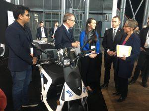 La startup Zify et Peugeot Motocyles s'apprêtent à lancer le premier service de scooters électriques à partager